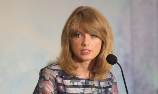 Police Warn Taylor Swift About Stalker Twice Her Age