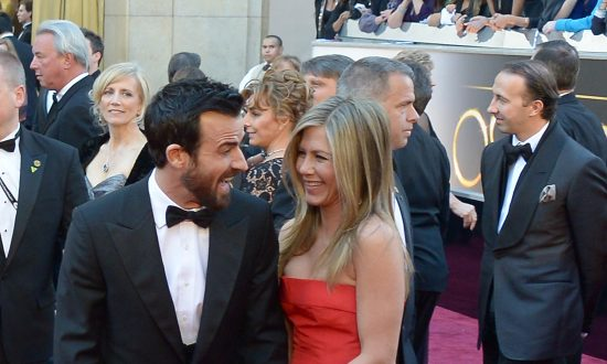 Jennifer Aniston and Justin Theroux Announce Separation, Slam 'Gossip' Media