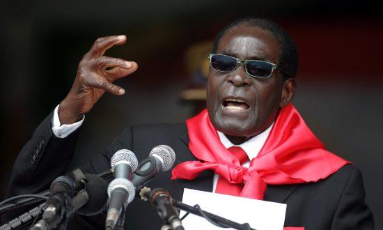 Zimbabwe's Mugabe Resigns, Ending Four Decades of Rule
