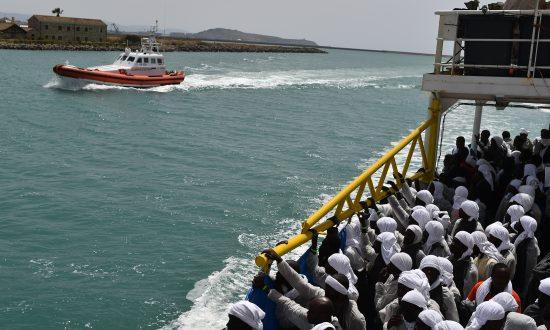 19 Dead, 103 Rescued When Migrant Boat Sinks in Mediterranean