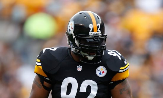 James Harrison Stands Alone Behind Patriots During National Anthem