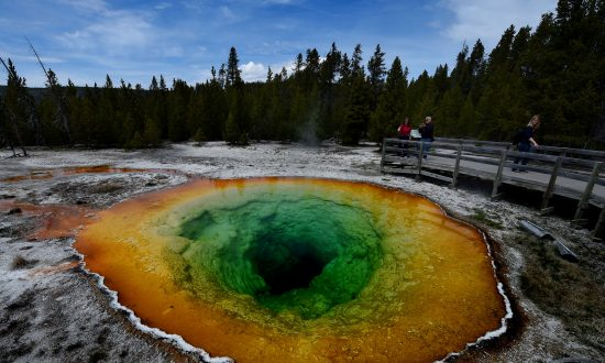 Scientists Reveal New Theory of Yellowstone's Supervolcano Hotspot