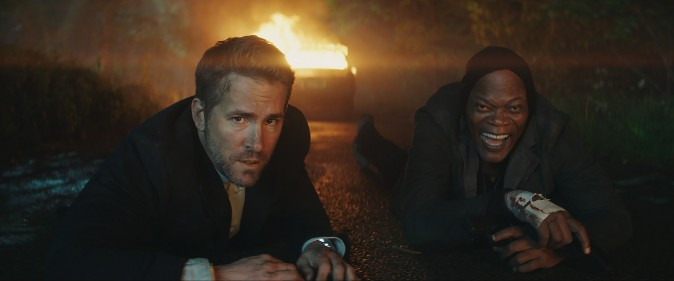 (L–R) Michael Bryce (Ryan Reynolds) and Darius Kincaid (Samuel L Jackson) as a deadly Odd Couple in