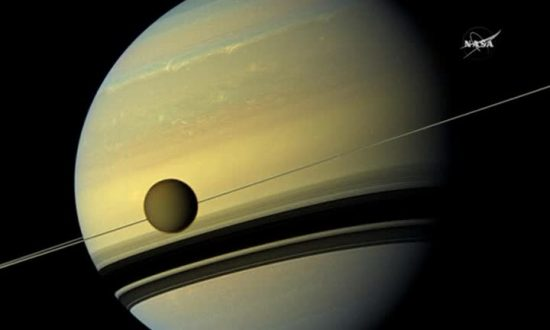 Cassini Spacecraft Ends 13-year Saturn Odyssey by Burning Into Planet