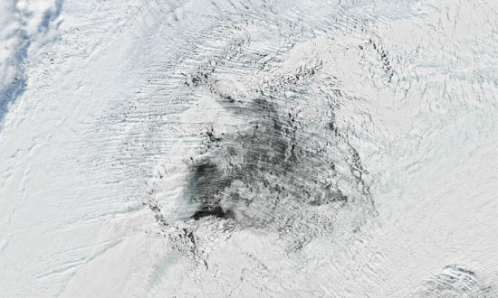 Hole in Antarctic Sea Ice Confounds Scientists