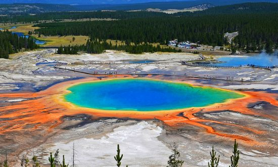 No Yellowstone Super-Eruption Likely in Our Lifetime, Geologist States