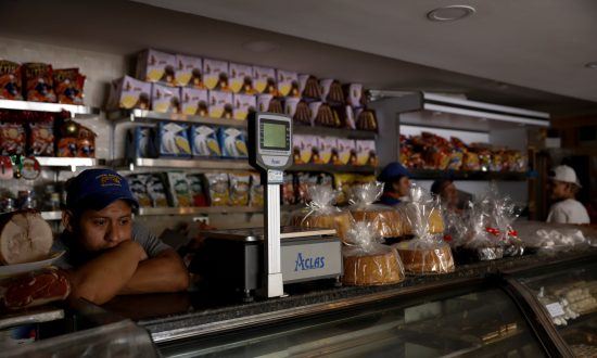 Lights Back On in Venezuela After Five-Hour Blackout