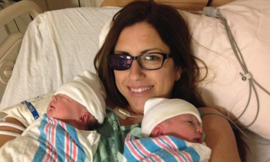 Mother of 4 Diagnosed with Cancer has Eye Removed and Gives Birth to Healthy Twins