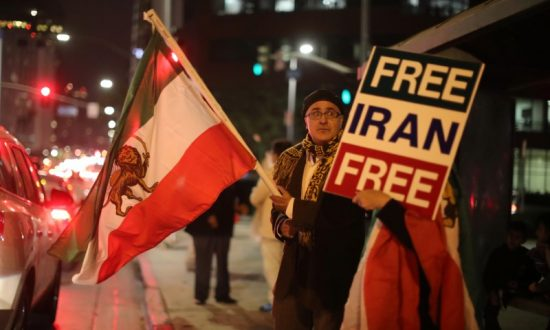 Los Angeles' Large Iranian Community Cheers Anti-Regime Protests