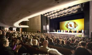 Pastor Impressed by Meaningful Themes in Shen Yun
