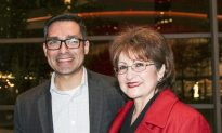 Professor Finds Theme of Resilience at Shen Yun Uplifting and Inspirational