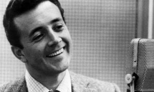 Longtime Singer Vic Damone, 'Best Pipes in the Business,' Dies at 89
