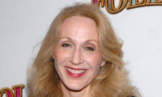 Reports: Jan Maxwell, 5-Time Tony Award Nominee, Dies at 61