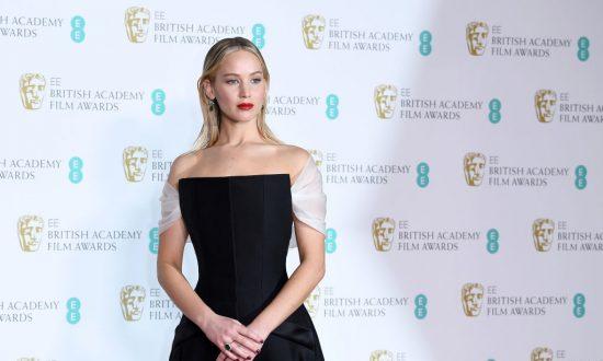 Jennifer Lawrence Slammed for Rudeness Toward BAFTA Host Joanna Lumley