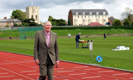 Roger Bannister, First Four-Minute Miler, Dies Aged 88