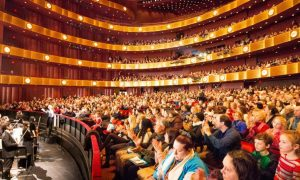 Shen Yun's Universal Values Appeal to Western Audiences