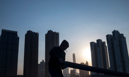 Chinese Banking System at Risk of Crisis, While Lending Big, According to Report