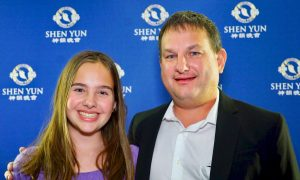 Shen Yun Inspires Theatergoer to Return to Ancient Values