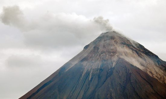 Guatemala Volcano Alert Too Late to Save Lives, Officials Admit