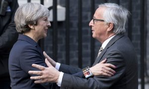 UK to Warn Public Every Week Over 'No-Deal Brexit': The Times