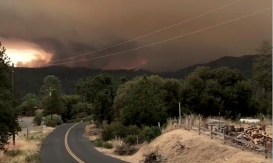 California Wildfire Moves Toward Yosemite, Small Mountain Towns