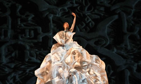 MOMIX Returns to New York