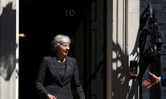 Goldman Sachs Predicts UK Avoiding 'No Deal' Brexit