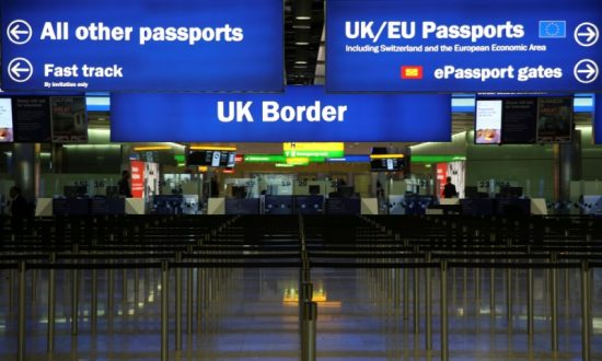 Border Lines at London's Heathrow Airport Reach 2.5 Hours