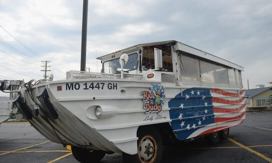 Man Who Rescued Missouri Duck Boat Passengers Files Lawsuit